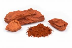 Roter marokkanischer Ocker, in Stücken