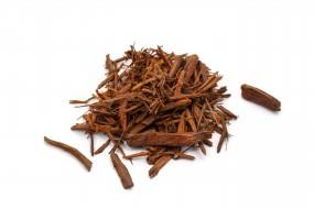Logwood, cut pieces